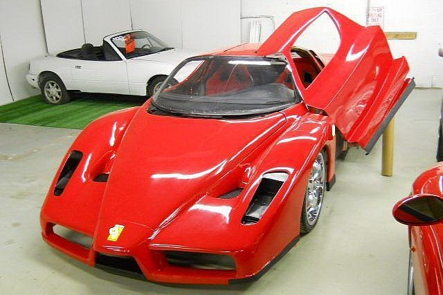Captivating Ferrari Enzo Replica Based On Toyota MR2 (via Autoevolution.com)